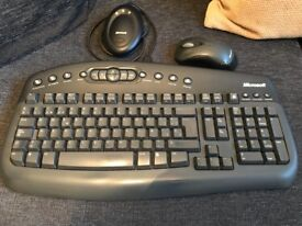 MICROSOFT full size media enabled wireless keyboard and mouse