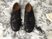 Leather kilt brogues