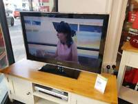 "40"" Samsung flat screen with internet"