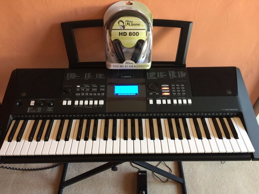 yamaha psr e423 keyboard with accessories in east end glasgow gumtree. Black Bedroom Furniture Sets. Home Design Ideas