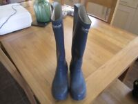 Ladies Barbour originals vintage pair Super quality. Navy rubber small size 4-5 approx