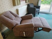 Riser/Recliner chair