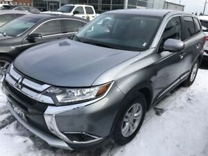 2017 Mitsubishi Outlander ES 4x4, Heated Seats, Back Up Camera!!