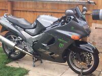 Kawasaki zzr 1100 motorcycle