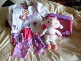 Doc McStuffin Coat/trousers 3/4 yrs Medical box/contents + Lambie