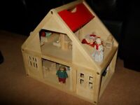 WOODEN DOLLS HOUSE WITH DOLLS AND FURNITURE INCLUDED 17 X 16 X 11 INCHES