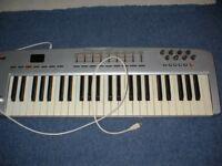 M-Audio Oxygen 49 Keyboard & Stand