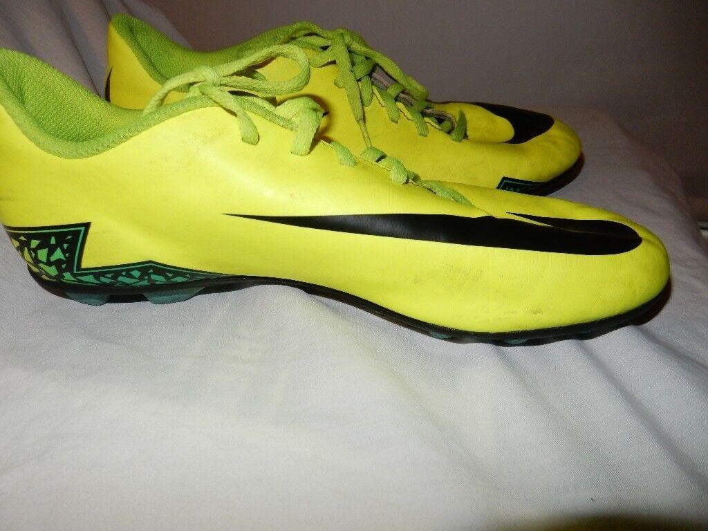 the latest 0e4c0 9ab79 NIKE JR HYPERVENOM PHADE FG Football Boots Size UK 5