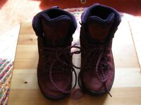 Moler Walking/Hiking/Trail boots - Burgundy Suede - Size 5