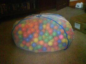 1300 New Children's Coloured Plastic Play Balls - Never Used! £20
