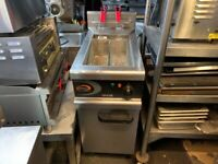 Lincat Vortech Twin Basket Gas Filtration Fryer CATERING COMMERCIAL KITCHEN FAST FOOD TAKE AWAY