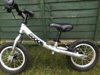 Scoot silver balance bike.