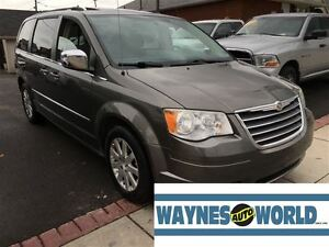 2010 Chrysler Town & Country Touring ***SUNROOF & DVD**