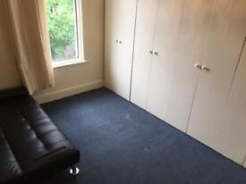Double room to rent in Barking - ready to move in today!