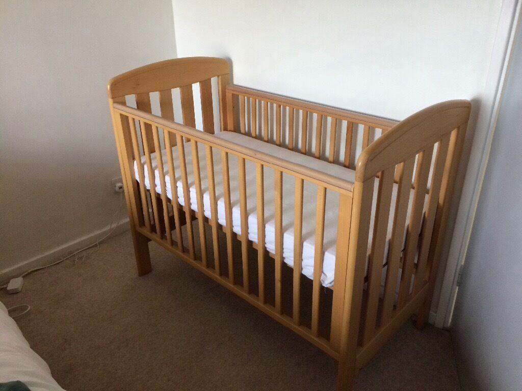Mama's and Papa's Cot Bed