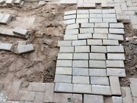Free paving blocks 500 - 600 Blocks