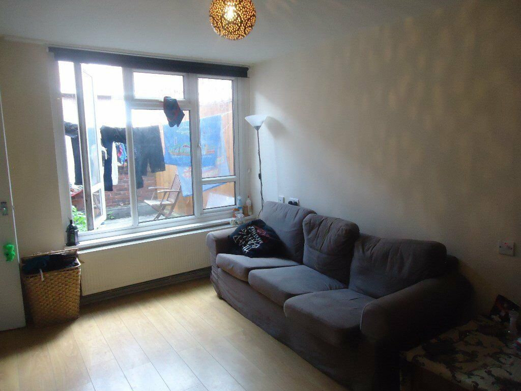 INCLUDES HEATING & HOT WATER. A spacious one bed purpose built flat situated on a popular, well main