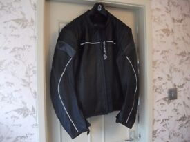 MOTOR CYCLE LEATHER JACKET, HARDLY USED 36 - 38 NICE XMAS PRESENT.