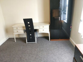 ROOMS ALL BILLS AND WIFI INCL. £63 - £75, CLOSE CITY CENTRE HANLEY, FURNISHED, SHORT AND LONG LETS