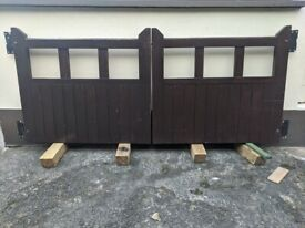 A pair of Wooden Front Gates plus accessories