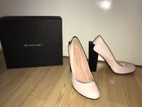 Brand new Baby pink luxury high heels. United Nude size 5-38 Gorgeous very sexy!!