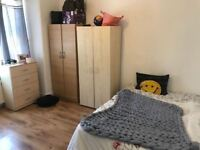 NO FEES ** Lovely Double room Available now in Dollis Hill **