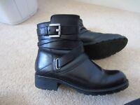 Ladies Black Clarks boots size 4.5