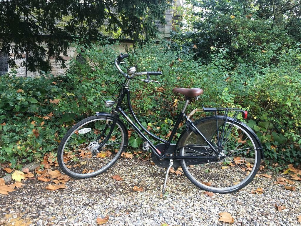 Beautiful refurbished Pashley lady's bike