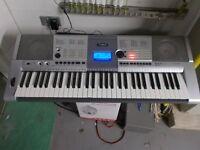 Yamaha electric keyboard PSR E403