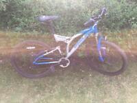 Mountain bikes 2 off