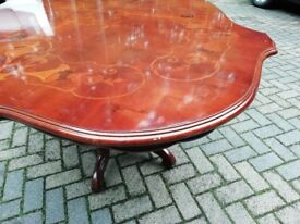 Beautiful marquetry dining table with pedestal base