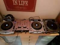 Pioneer cdjs and berhinger mixer
