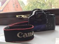 Canon 550d w/ 18-55mm Kit Lens Bundle *LOW SHUTTER COUNT* (8 years old) EXCELLENT CONDITION