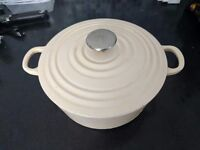 Cast iron slow cooker