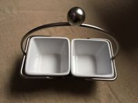 Pampered Chef Simple Additions Small Bowl Caddy & 2 Small White Square Bowls