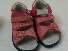 Shoes size 5