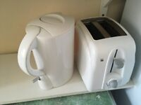 Kettle and toaster in great conditions