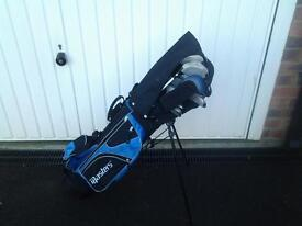 Masters junior golf set age 6-8 years old/various Dunlop clubs 6-8 years old.