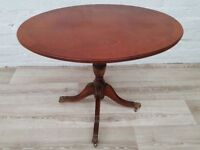 Vintage Oval Side Table (DELIVERY AVAILABLE FOR THIS ITEM OF FURNITURE)