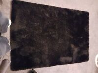 Dunhelm Indulgence Rug Black 120x170