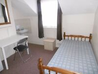 Double room in period property with easy access to town centre - CAREY STREET
