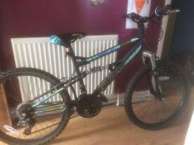 2x Kids mountain bikes for sale barley used.