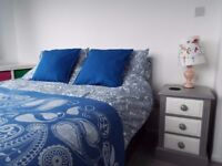 2 Double Rooms Each For Single Occupancy To Let in Sunny Southbourne
