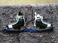 Size 7 men's ice hockey boots