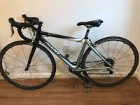 Giant TCR CW Carbon Ultegra / 105 Road Bike + Carbon Wheels & Seat Post Size XS