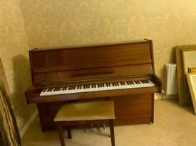 Niemeyer piano