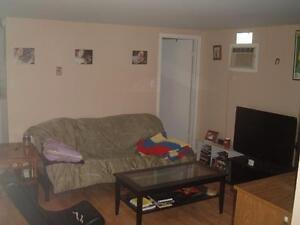 Available June 1st, Downtown Bachelor $575