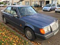 Mercedes 230E 2299cc Petrol 5 Speed manual 4 door saloon E Reg 22/02/1988 Blue