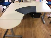 LEFT HAND CURVE/CORNER WHITE DESK WITH ROUNDED END AND FRAME