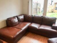 Brown leather corner sofa. Can delivdr